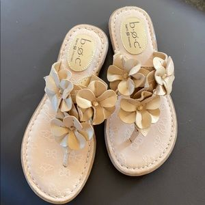 Born flower sandals size 6